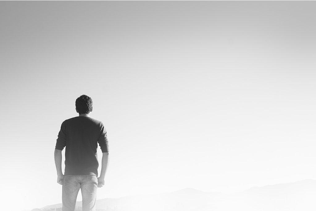 تنهایی انسان و ریشه های تنهایی انسان